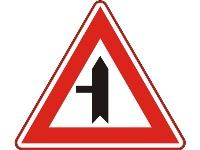 B04 Afbuigende voorrangsweg