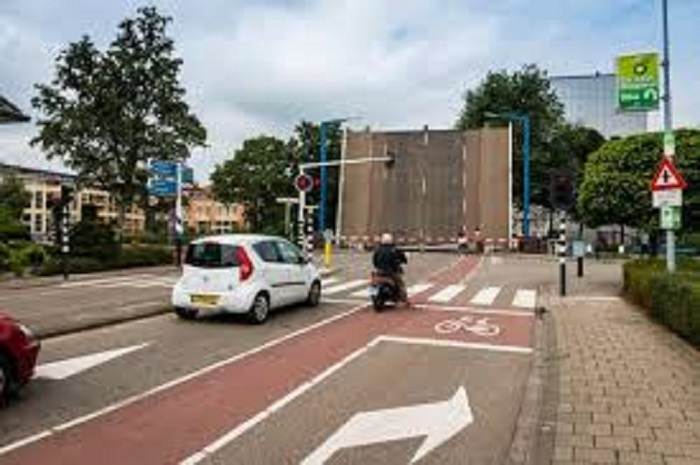 opgeblazen-fietsopstelstrook Stopstreep