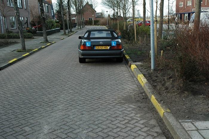 parkeren-onderbroken-gele-streep Gele strepen