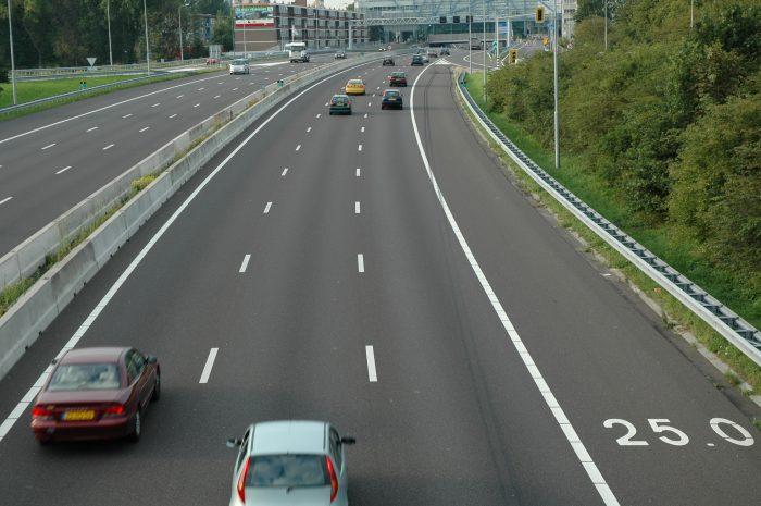 2-rijbanen-e1557006233528 Categorie A Algemene bepalingen verkeerswetgeving