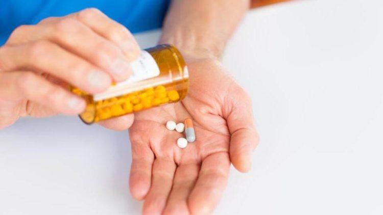 medicijnen-in-hand-e1533707452767 Categorie G Risico's in verband met toestand bestuurder deel 2