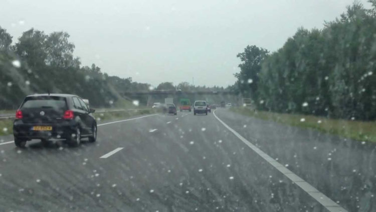 regen-na-droog-e1534669657361 Categorie K Risico's in verband met weg-, zicht- en weersomstandigheden