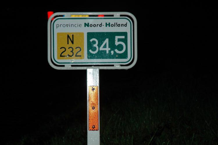 rode-reflectoren-e1534643421425 Categorie K Risico's in verband met weg-, zicht- en weersomstandigheden