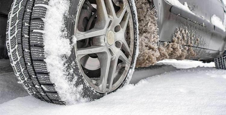 winterbanden-in-sneeuw-e1534673520137 Categorie K Risico's in verband met weg-, zicht- en weersomstandigheden