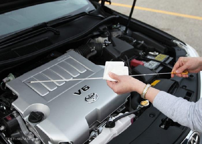 olie controleren auto