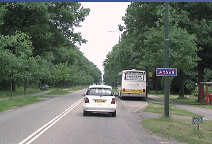 bus-3 Categorie P Voor laten gaan van voorrangsvoertuigen, militaire colonnes en trams