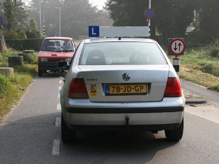 tekens-13 Veilig rijden - Inzicht - Examenvragen oefenen deel 2